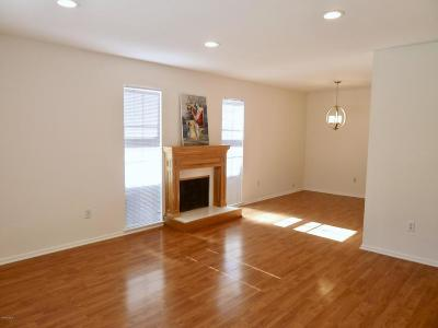 Agoura Hills Condo/Townhouse For Sale: 28941 Oakpath Drive