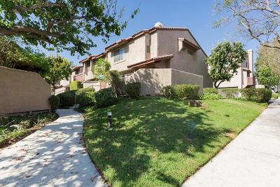 Simi Valley Condo/Townhouse For Sale: 2441 Chandler Avenue #1
