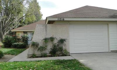 Camarillo Condo/Townhouse For Sale: 11216 Village 11