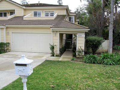 Westlake Village Condo/Townhouse For Sale: 5638 Roundtree Place