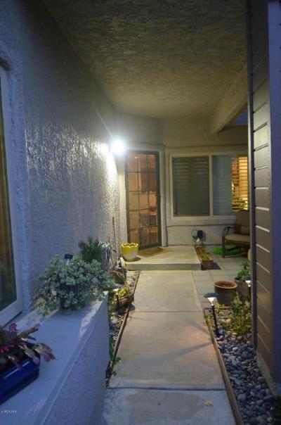 Westlake Village Condo/Townhouse For Sale: 542 Via Colinas