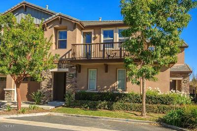 Moorpark Condo/Townhouse For Sale: 6822 Simmons Way