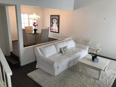 Studio City Condo/Townhouse For Sale: 11738 Moorpark Street #B