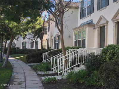 Los Angeles County Condo/Townhouse For Sale: 24128 Victoria Lane #37