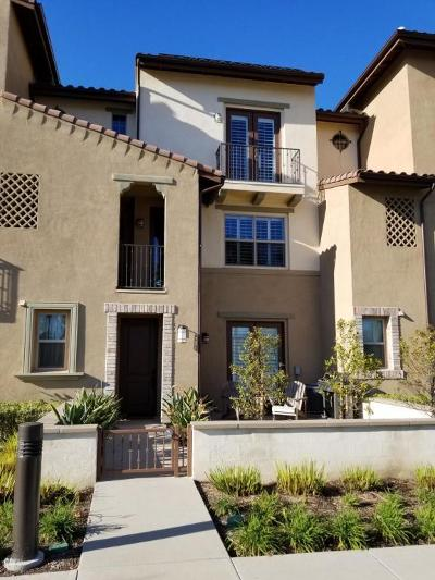 Camarillo Condo/Townhouse For Sale: 215 Westpark Court #502