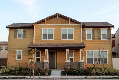 Camarillo Single Family Home For Sale: 246 Carrizo Creek Road North