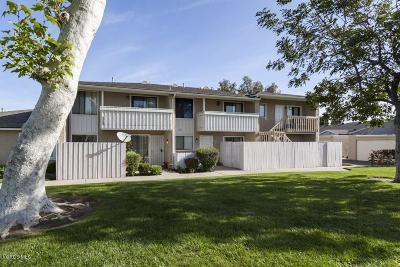 Simi Valley Condo/Townhouse For Sale: 3469 Lockwood Court #54