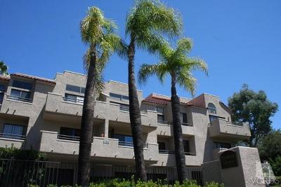 Thousand Oaks Condo/Townhouse For Sale: 57 McAfee Court