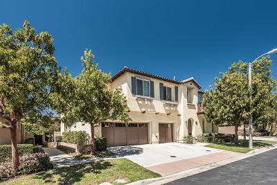 Moorpark Condo/Townhouse For Sale: 6849 Sperryville Lane