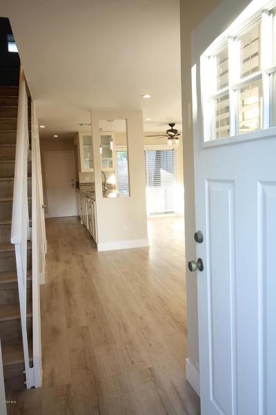 Agoura Hills Condo/Townhouse For Sale: 28655 Conejo View Drive
