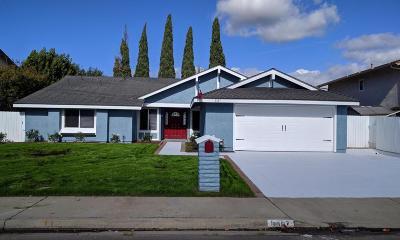 Camarillo Single Family Home For Sale: 3567 Castano Drive