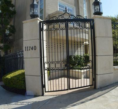 Los Angeles Condo/Townhouse For Sale: 11740 West Sunset Boulevard #34