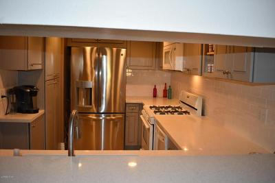 Thousand Oaks Condo/Townhouse For Sale: 47 McAfee Court