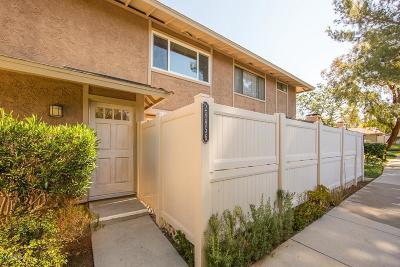 Agoura Hills Condo/Townhouse For Sale: 28856 Conejo View Drive