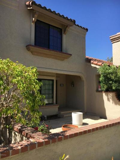 Simi Valley Condo/Townhouse For Sale: 454 Country Club Drive #B
