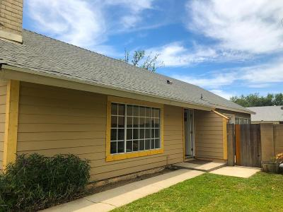 Simi Valley Single Family Home For Sale: 3888 Acorn Court