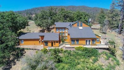 Tehachapi Single Family Home For Sale: 25760 Deertrail Drive