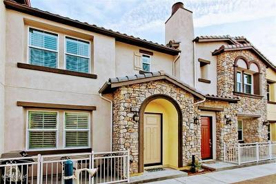 Simi Valley Condo/Townhouse For Sale: 2245 Rolling River Lane #2