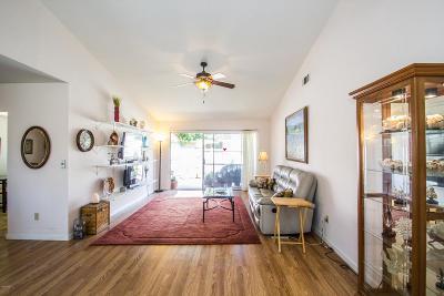 Camarillo Condo/Townhouse For Sale: 6225 Village 6