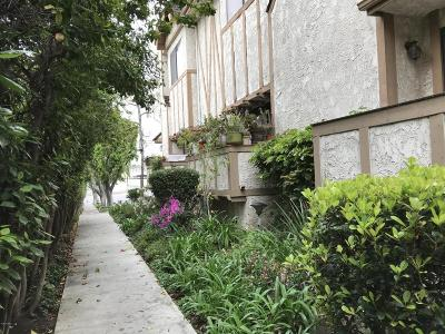 Northridge Condo/Townhouse For Sale: 10334 Zelzah Avenue #3