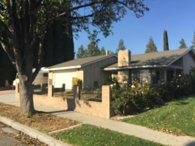 Simi Valley Single Family Home For Sale: 2054 Hilldale Avenue