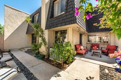 Thousand Oaks Condo/Townhouse For Sale: 1530 Plumeria Circle