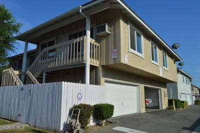Simi Valley Condo/Townhouse For Sale: 3404 Lockwood Court #1