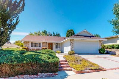 Oak Park Single Family Home For Sale: 6637 Maplegrove Street