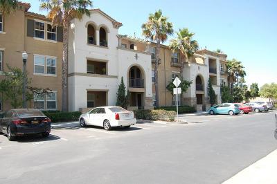 Camarillo Condo/Townhouse For Sale: 259 Riverdale Court #237