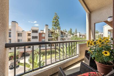 Woodland Hills Condo/Townhouse For Sale: 21520 Burbank Boulevard #306