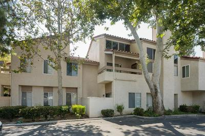 Simi Valley Condo/Townhouse For Sale: 3354 Darby Street #316