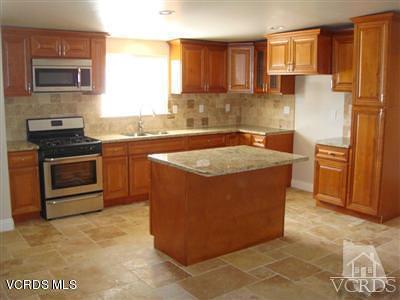 Oxnard Single Family Home For Sale: 383 Simon Way