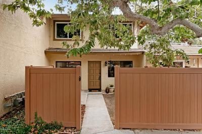 Ventura Condo/Townhouse For Sale: 643 Newbolt Lane #34