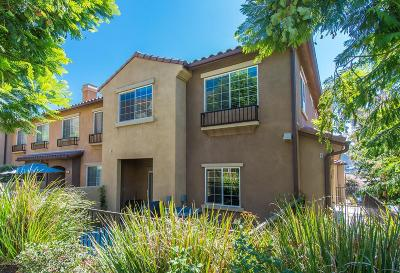 Thousand Oaks Condo/Townhouse For Sale: 370 East Hilltop Way