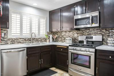 Stevenson Ranch Condo/Townhouse For Sale: 25250 Steinbeck Avenue #E