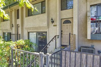 West Hills Condo/Townhouse For Sale: 7137 Shoup Avenue #12