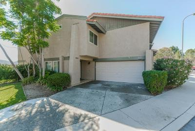Thousand Oaks Condo/Townhouse For Sale: 1003 Saint Charles Place