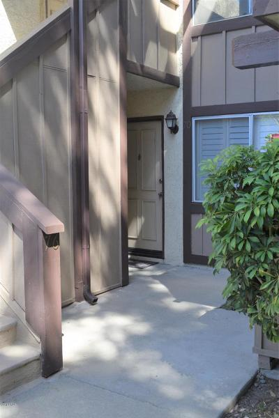 Thousand Oaks Condo/Townhouse For Sale: 1348 East Hillcrest Drive #71