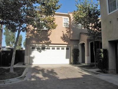 Camarillo Condo/Townhouse For Sale: 4094 Villamonte Court