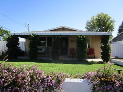 Thousand Oaks Single Family Home For Sale: 196 Newbury Lane