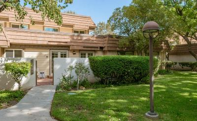 Chatsworth Condo/Townhouse For Sale: 10345 Larwin Avenue