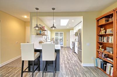 Camarillo Single Family Home For Sale: 1207 Village 1