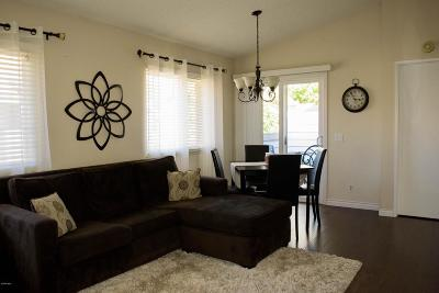 Simi Valley Condo/Townhouse For Sale: 4549 Alamo Street #H