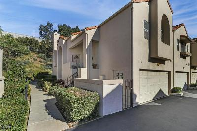 Chatsworth Condo/Townhouse For Sale: 22229 Shadow Valley Circle