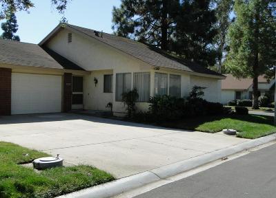 Camarillo Condo/Townhouse For Sale: 11202 Village 11