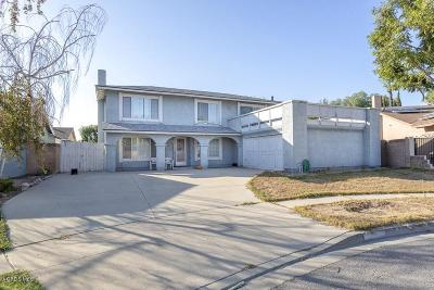 Simi Valley Single Family Home For Sale: 2483 Cedarwood Circle