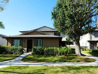 Simi Valley Condo/Townhouse For Sale: 2041 Calle La Sombra #3