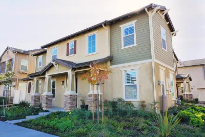 Camarillo Single Family Home For Sale: 282 Carrizo Creek Road
