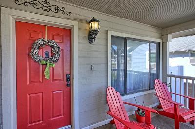 Santa Paula Single Family Home For Sale: 234 North Palm Avenue