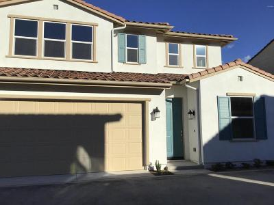 Saugus Condo/Townhouse For Sale: 20534 Galloway Drive